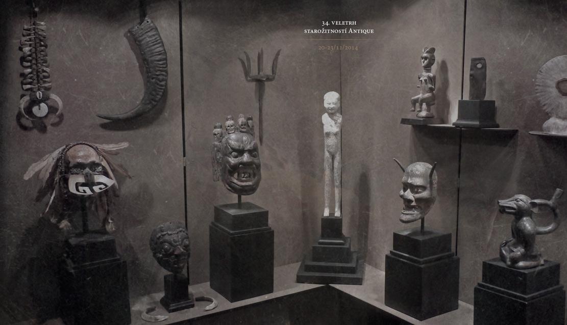 africké masky a sochy v expozici na veletrh Antique 34